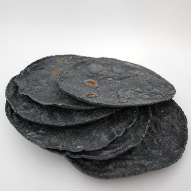 Tortillas de maíz azúl